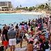Unglaubliche Menschenmengen drängten sich am Maho Beach! Dabei wäre der wunderschöne Simpson Bay, wo es ebefalls Strandbars gibt, viel grösser und deutlich weniger überloffen. Ja, zahlreiche Menschen sind wirklich Herdentiere :-)