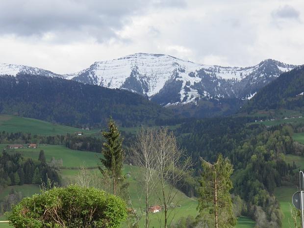 der klassische Hochgratblick-diesen Gipfel wollte ich schon als kleiner Bub besteigen.Daraus wurde aber nichts, unter anderem wegen sehr häufigem Schlechtwetter.<br />Erst mit 16 stand ich oben-ebenfalls bei Regen....