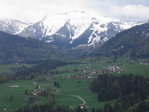 mit Schneeauflage wirkt der Hochgrat richtig alpin trotz der bescheidenen Höhe von 1833m