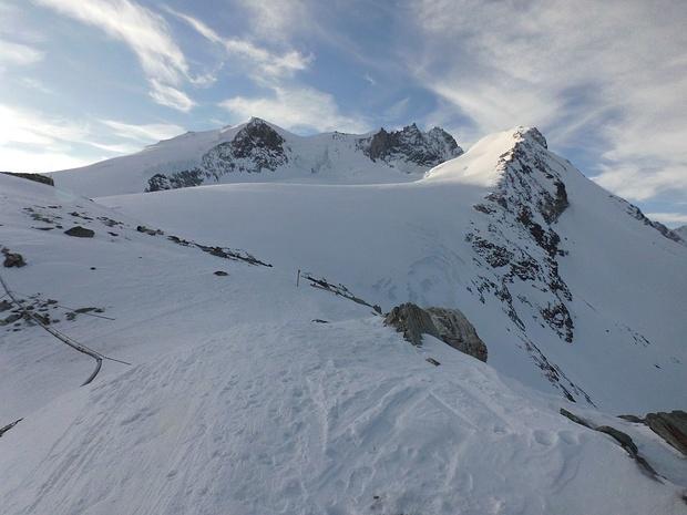 Wir starten um 07.30 Uhr unsere Skitour zum Bishorn.