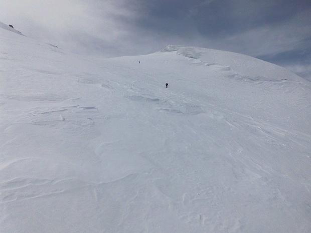 Noch wissen wir nicht, dass man rechts oben schon den Gipfel sehen kann.