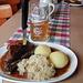 Mittagspause im Gasthaus Göller zu Drosendorf:<br />Ein helles Bockbier, dazu Schäuferle, ein typisch fränkischer Snack :)