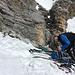 Ein Drahtseil leitet die letzten Meter zur 60m Abseilstelle