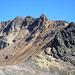 Blick Richtung Gipfel und den weiteren Aufstieg vom Sattel aus