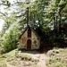 Nach kurzer Pause machte ich mich dann auf den Rückweg, da entdeckte ich die schöne Gipfelkapelle. Die musste ich natürlich noch besuchen.