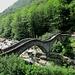 Lavertezzo : Ponte dei Salti ( o Ponte Romano ) sul fiume Verzasca