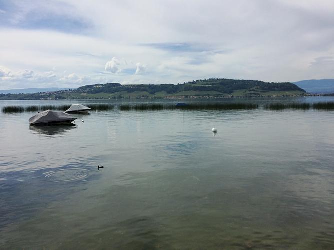 Ein Bild, das Wasser, draußen, Boot, Natur enthält.  Automatisch generierte Beschreibung