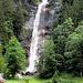 beim Wasserfall