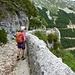 Alter Felsenweg vom Col de Chironne zum Westportal des Straßentunnels