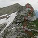 Rückblick zum Spilauer Grätli mit unserer Abstiegspur, das meiste war Gehgelände. Darunter kurze genussvolle Kraxeleien im 2. Schwierigkeitsgrad.