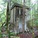 Eigenartiges Bauwerk im Wald