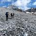 Visto che il meteo tiene, decidiamo di salire in direzione del ghiacciaio del Gran Zebrù (come consigliato dal rifugista del Pizzini)