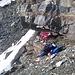 Biwak auf etwa 3300 m oberhalb Meitin-Gletscher: man stößt sich zwar leicht den Kopf, aber...