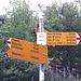 <b>Una leggera e breve discesa mi porta a Biborgh (1301 m) e un'ulteriore discesa più importante mi conduce sul fondovalle, dove due ponti permettono di superare due rami del Lesgiüna. </b>