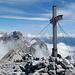 Gipfelkreuz des Bös Fulen mit Blick zum Vrenelisgärtli.