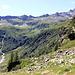 De Bockflue, vue sur la haut de la Zwischbergental. Au centre, le début du Untere Schijatritt qui permettrait de gagner Galki.