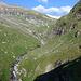 zunächst führt der Weg immer weit oberhalb des Rheins entlang