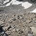 Rückblick über das Blockstein Feld vor dem Gipfelfelsen.