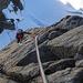 Nonostante il freddo l'arrampicata è bellissima! Peccato per queste corde fisse che, su questo tiro, danno un po' fastidio,...