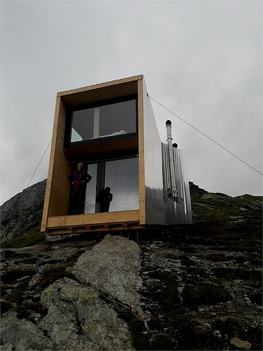 https://www.dezeen.com/2019/07/25/on-mountain-hut-zero-im... [hikr.org]