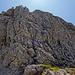 Im Abstieg von der Rotgundspitze Richtung Linkerskopf. Immer wieder kleinere Steilstufen (I-II), welche z.T. aber auch umgangen werden können (T4, I).
