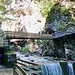 Wasserfall & Brückenkonstruktion