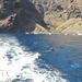 ... e dopo un bel bagno in queste limpide acque un battello ci porta a Acantilado de Los Gigantos