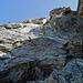 Die Schlüsselstelle: Diese Rinne geht es hoch; leicht links finden sich hervorragende Felsen