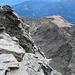Im 3. Schwierigkeitsgrad klettere ich auf den Gipfel und bin von der Rundumsicht erschlagen.