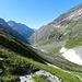 Blick von Kalser Tauern ins Dorfer Tal nach Süden, rechts am Hang Silesia Höhenweg, aber erstmal geht es 300m steil hinunter