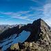 L'affilata cresta che separa la Cima Sud dalla cima principale