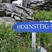 ..... bald nach Verlassen des Waldes kommt man zu diesem Schild. Ein legendärer Klettersteig. Der reguläre Weg führt aber weiter hoch .......