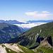 Blick vom Grauspitz: Hochnebel über dem Rhein- und Seeztal