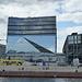 Cube, Würfel mit exakt 42 m Kantenlänge, Bürogebäude, Kosten ca. 100 Mio €.