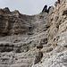 L10: nell'ampio e caratteristico imbuto finale.... poche difficoltà ma roccia da controllare un centinaio di volte...
