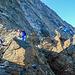 """An der Abseilstelle direkt hinterm """"Gipfel"""" gibt's Stau aus den 3 Seilschaften vor uns."""