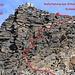Helsenhorn Südostgrat:<br /><br />Die Schlüsselstelle (T5) ist ein knapp 20m hoher Felsaufschwung vom Sattel P.3228m hinauf zum Südostgrat in gut gestuftem, festen Fels (II). Meine Route - wohl die einfachste - habe ich im Topo rot markiert.