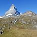 Solches Wetter war vor genau einem Jahr angesagt, als wir uns am Hörnligrat im Neuschnee gegen den Gipfel hinauf kämpften - denn das Wetter zeigte sich von einer schlechteren Seite. Inzwischen ist wieder viel passiert am Matterhorn - Sachen die nicht passieren sollten - Sachen die einem zum Nachdenken bringen sollten.
