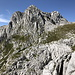 Unterwegs zwischen Bijele Vode und Zelena glava - Blick zum höchsten Gipfel des Prenj, während wir durch die Flanke des Otiš steigen.