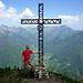 Ab Sattel sind es nur noch 15min bis zum Gipfelkreuz des Monte Corno (1729m)