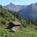 """Die Ochsnerhütte. Das """"Eintauchen"""" in den Wald steht kurz bevor."""