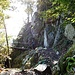 Der Sentier des Roches führt über Stege....