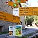 <b>In 50 min raggiungo la strada della Val Resa; la percorro in salita per circa 400 m fino al Grott Cafe (864 m).</b>