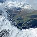Tiefblick vom Schwarzhorn nach Arosa