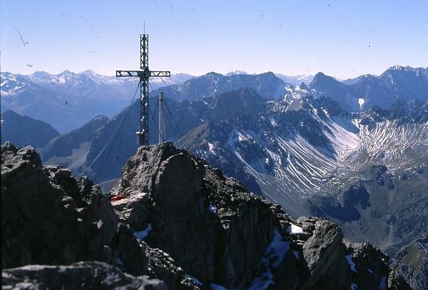 am Gipfel; beste Aussicht ist garantiert