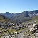 Blick ins Val Susauna (links) und Val Funtauna (rechts).