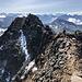 Großer Piz Buin (Piz Buin Grond) - Ausblick am Gipfel über den weiteren Gratverlauf in etwa ostsüdöstliche Richtung.