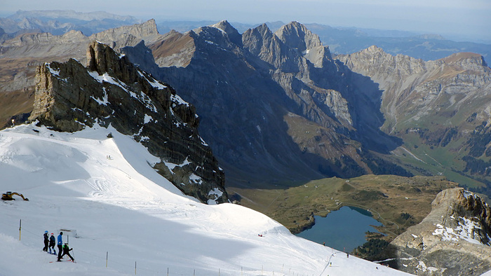 Ein Bild, das Berg, Schnee, draußen, Natur enthält.  Automatisch generierte Beschreibung