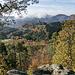 Von diesem Fels hat man ein recht wunderschönes Panorama, hier geht der Blick zurück zur Bourg Fleckenstein.