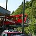 Aufgrund des geringen Gefälles liegt die Bahn ziemlich schief in der Talstation.